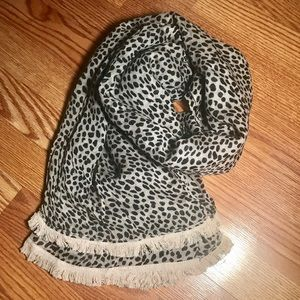 ❤️1 DAY SALE❤️ Ann Taylor Animal Print Scarf